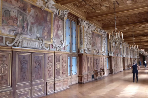 inside-the-palace